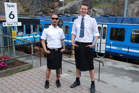 Conducteurs de trains suédois en jupe