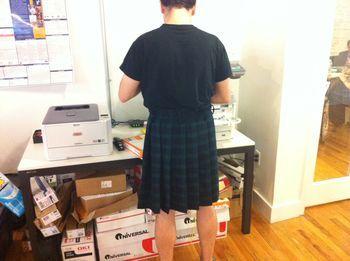 La jupe masculine au travail